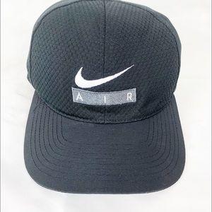 Nike Air Black Snapback Cap One Size Fits All